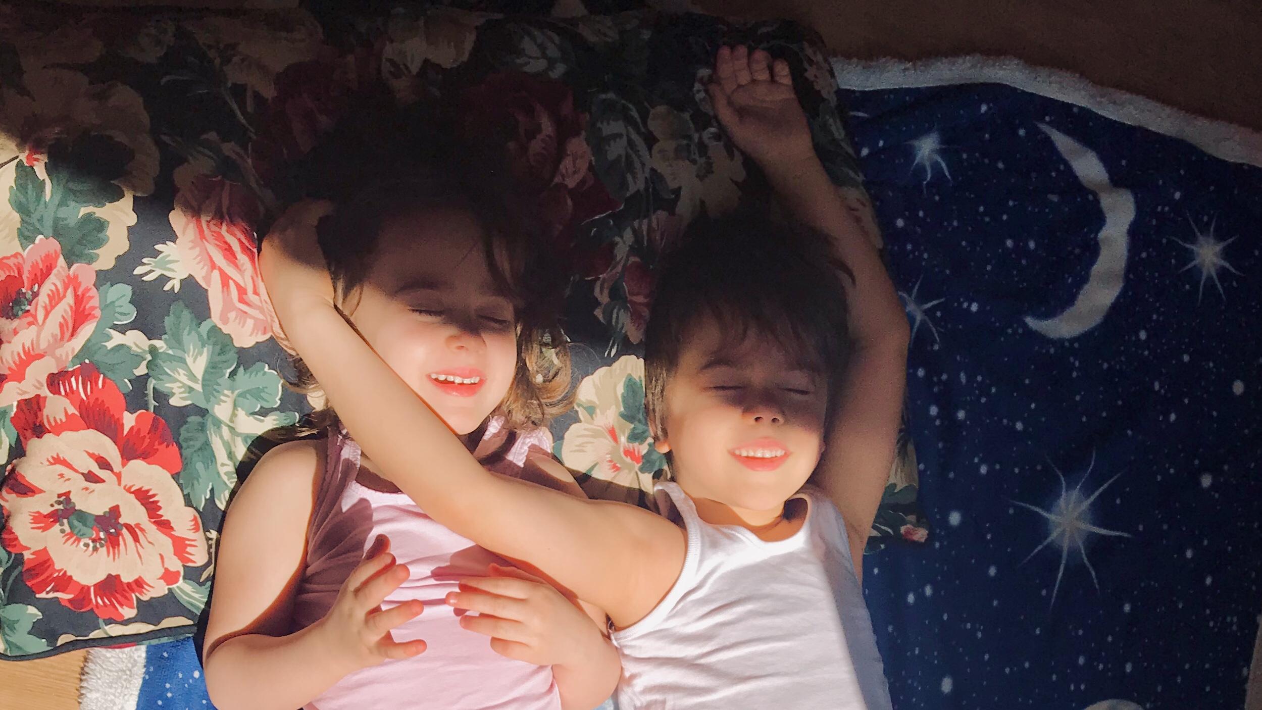 Coronavirus: è davvero il male peggiore per i nostri figli, per il loro equilibrio mentale, restare a casa per settimane?